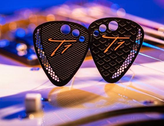 T1-PICKS-GUITAR-PICKS-3-PACK-01